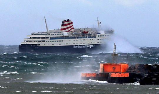 Povl Anker sejler nødtur Rønne-Køge