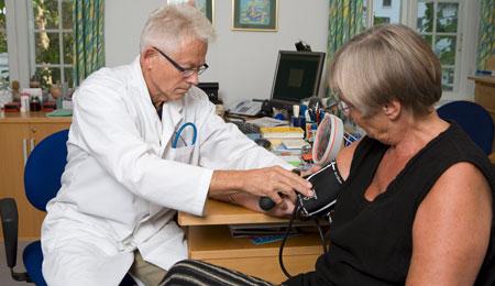 Senfølger plager helbredte kræftpatienter