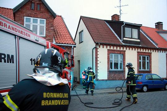 Alarm om brand i hus i Rønne