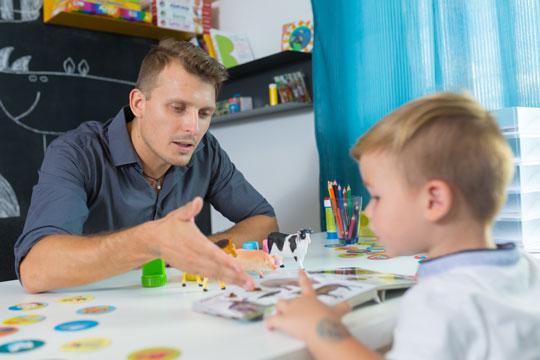 Der mangler mandlige pædagoger
