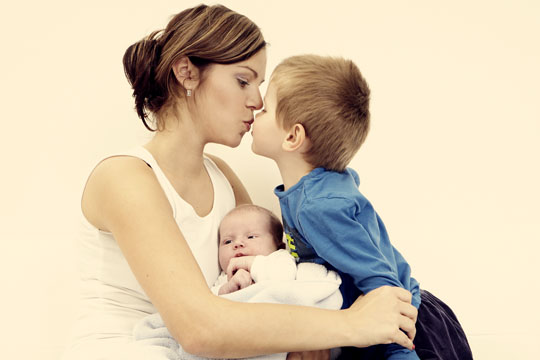 BRK betaler forældre for at passe egne børn