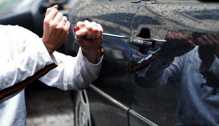 Tyveri fra biler i Rønne