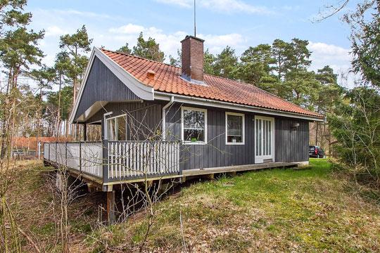 Sommerhus med stor naturgrund
