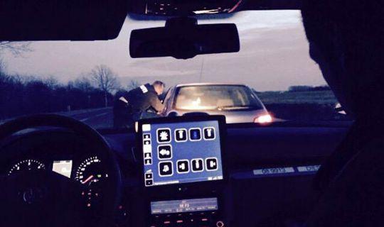 19-årig bilist fik fartbøde og klip i kørekortet