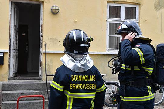 Beboer sigtet efter brand i Rønne