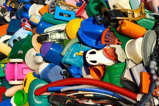 Alle skal betale for plastforurening