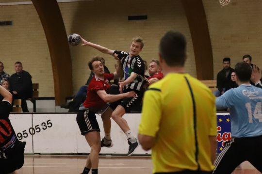 Håndbold: Nu lysner det