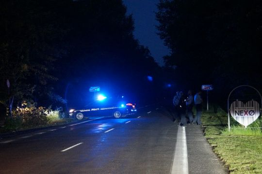 Unge biltyve kørte galt med 180 km/t