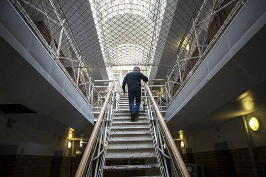 20-årig voldsmand idømt ni måneders fængsel