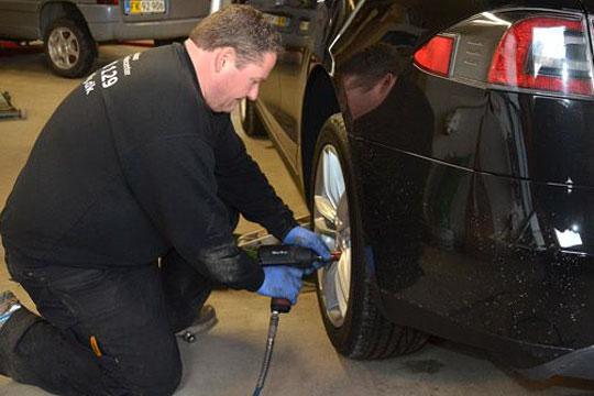 Bilværksted påvirket af stort tab på kunde