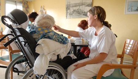 Underskud på millioner i ældreplejen