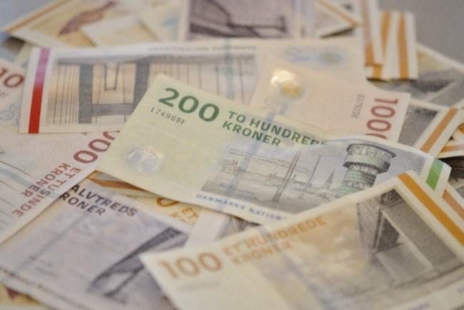 672 falske pengesedler