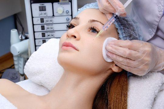 Skønhedsklinik fik mindre overskud