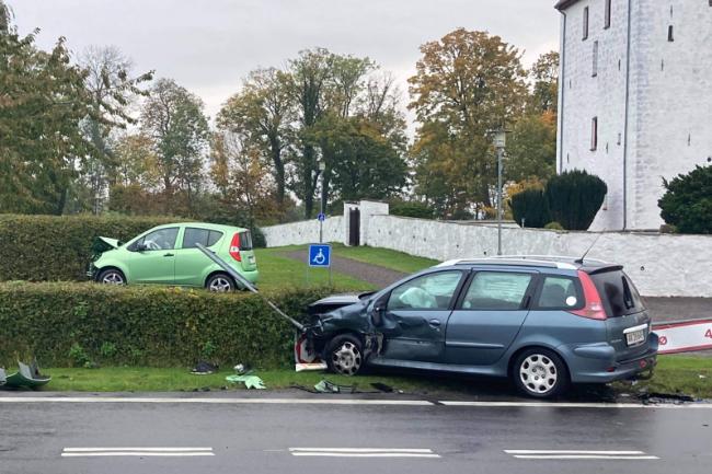 To biler stødte sammen i Bodilsker