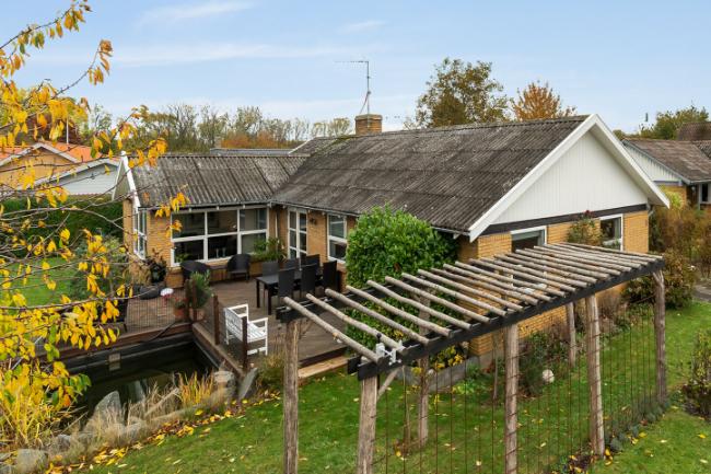 Indbydende og stor villa i Rønne