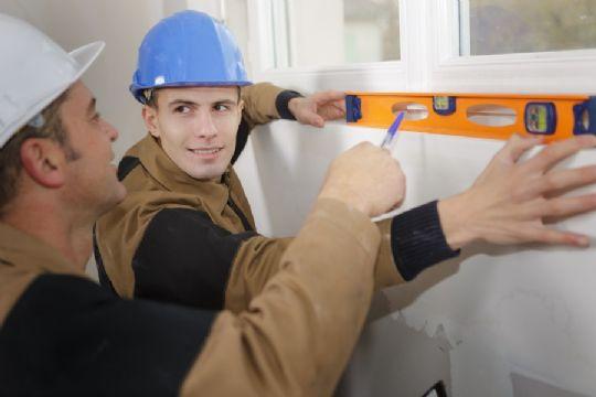 For få unge vil være håndværkere