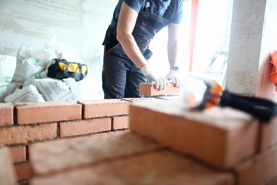 Underskud i murerfirma med vokseværk