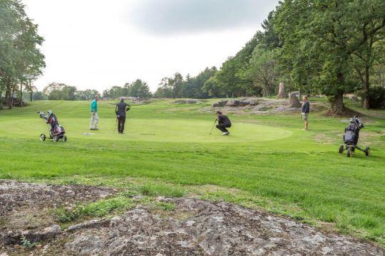 Plan om golfhotel i Rø ikke opgivet