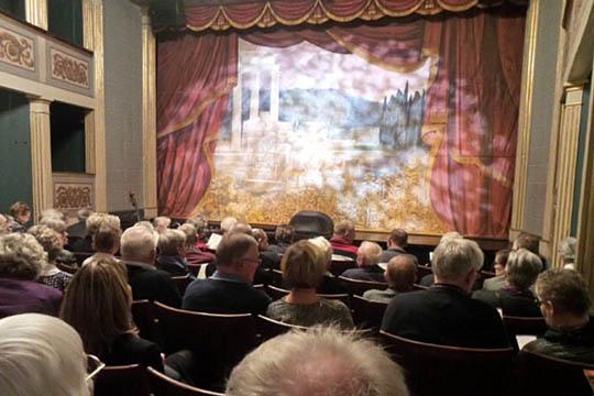 Salget af e-billetter til teatret går strygende