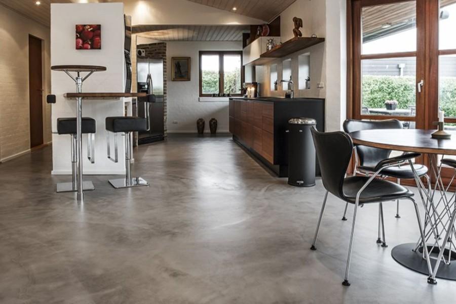 Beton og epoxy giver en god gulvløsning