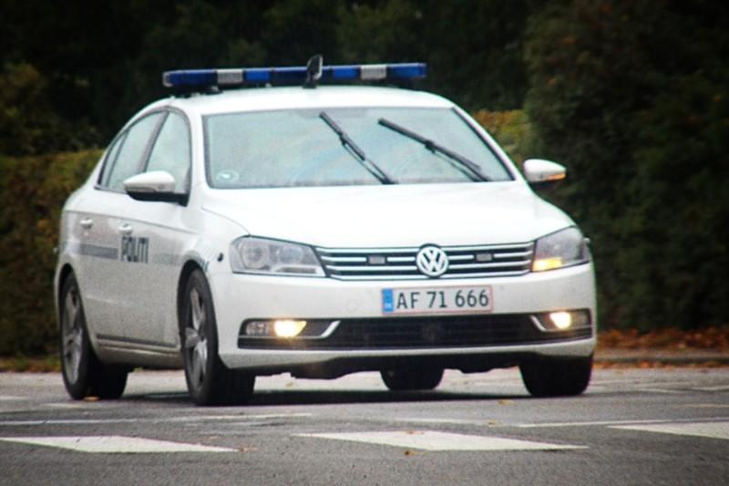 Bil påkørt af flugtbilist i Hasle