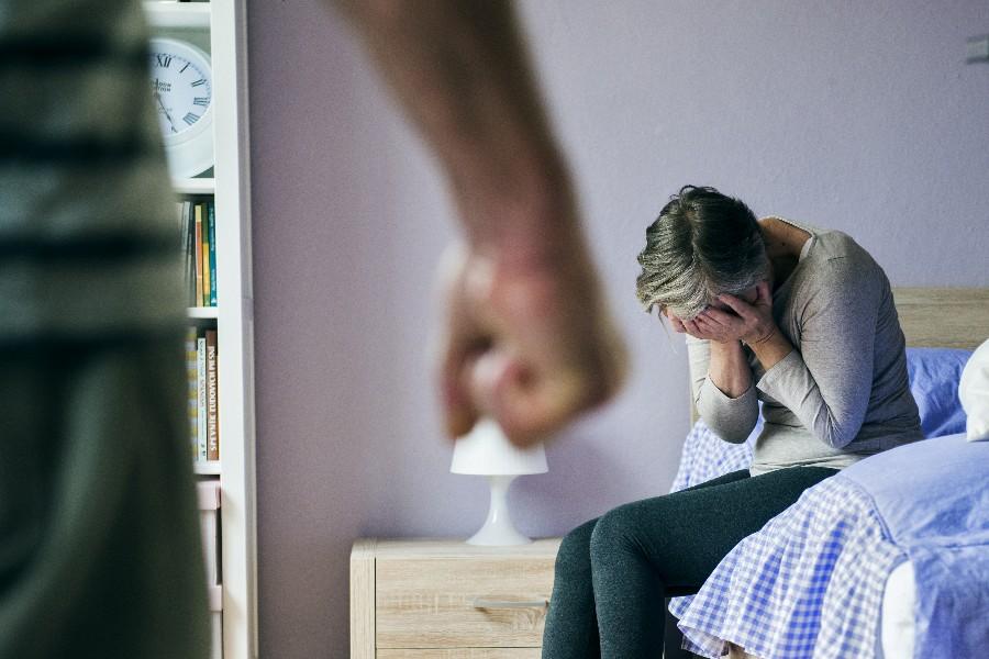 55-årig mand tiltalt for kvindemishandling