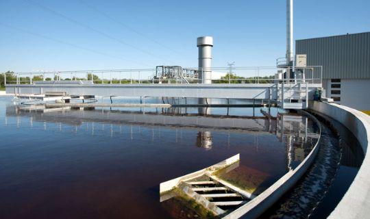 Forbrugerne betaler høj spildevandsafgift