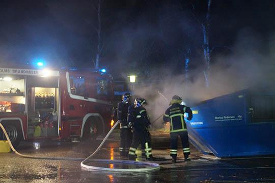 Røggener fra brand på BOFAs oplagsplads