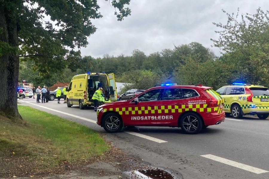 To personer på hospital efter trafikuheld