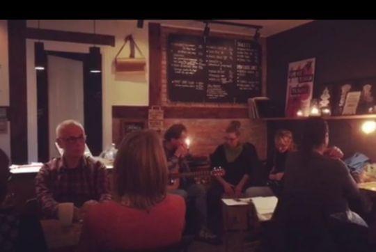 Cafe Mo:Mo øgede sit overskud