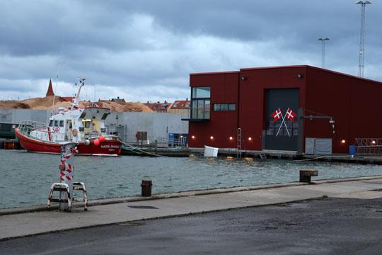 Handelsskib bugseret til Rønne