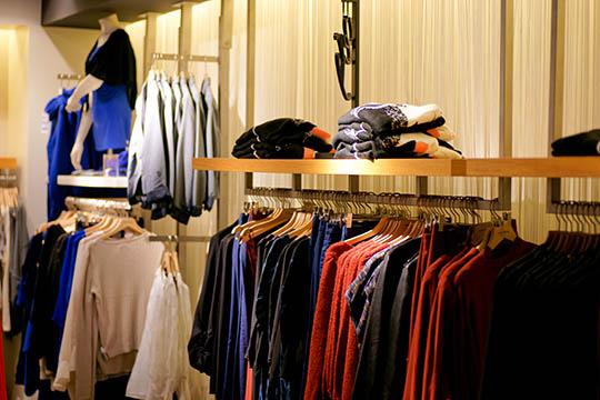 Overskud i tøjbutik i Nexø
