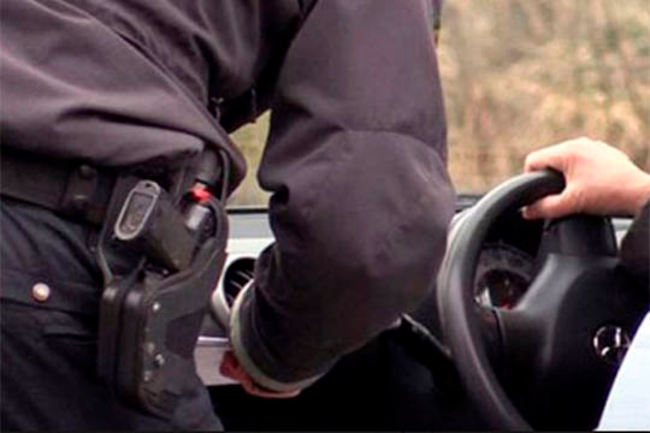 Tre bilister fik klip i kørekortet