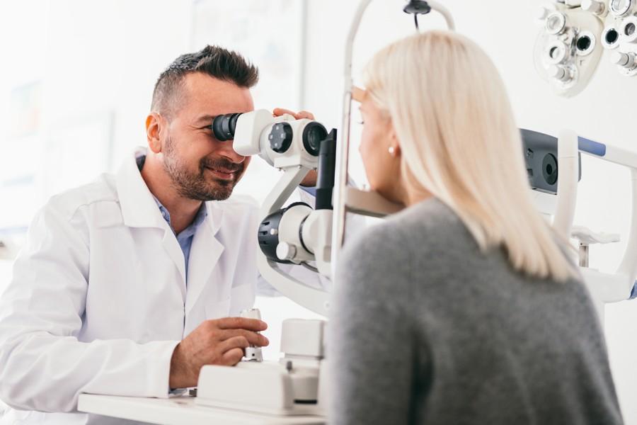 Øjenklinik næsten seksdoblede overskud