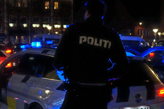 To mænd generede politifolk