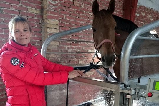 Ditte Johnsen starter fortsat heste i travløb