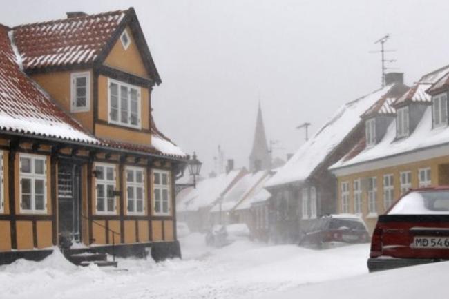 DMI: Mere sne og snefygning