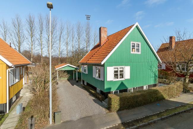 Velholdt svenskehus i Rønne