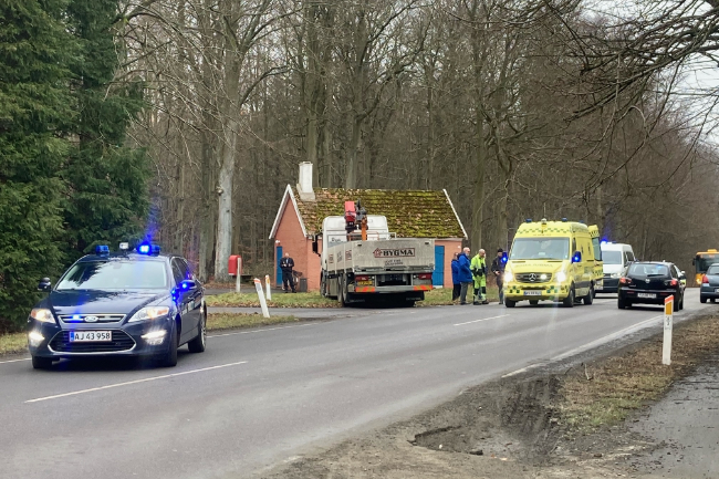 Kvinde påkørt af lastbil i Rønne