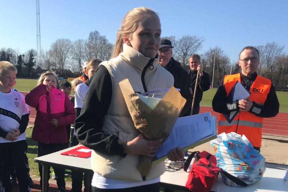 14 årige Frederikke modtog DGIs Unglederpris