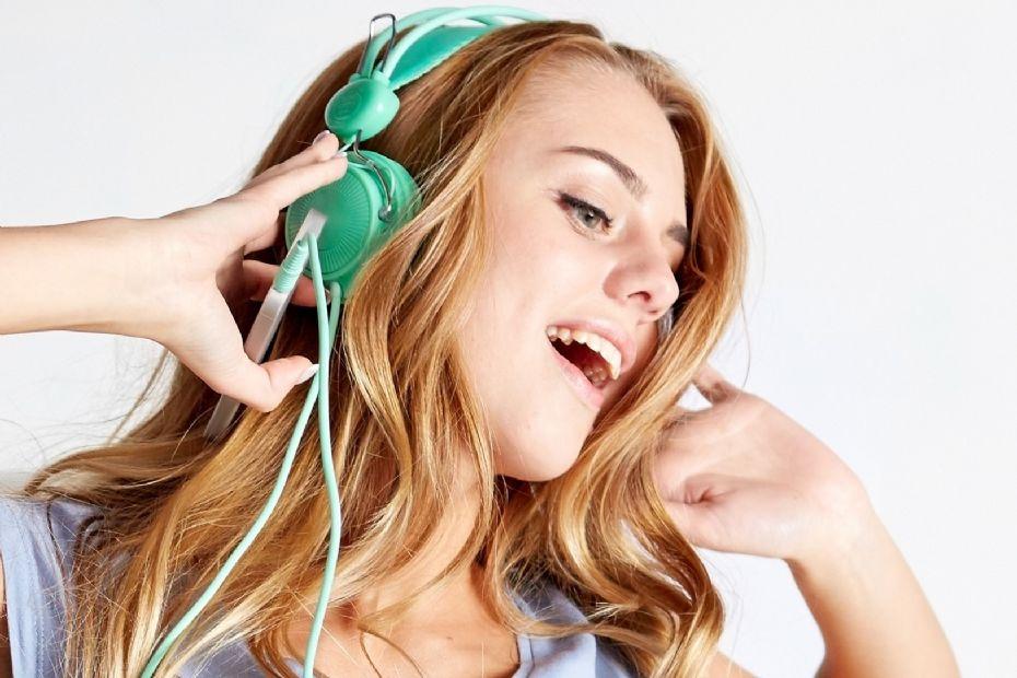 Netradio med musik og nyheder døgnet rundt