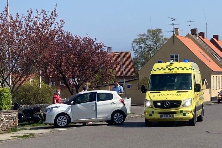 Kvindelig bilist påkørte scooter