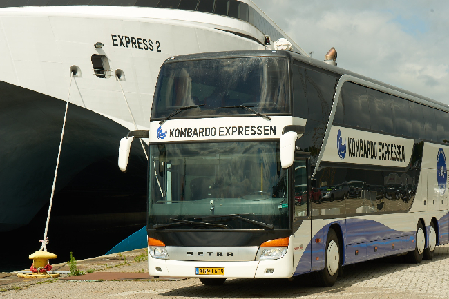 Færger fragter færre busser