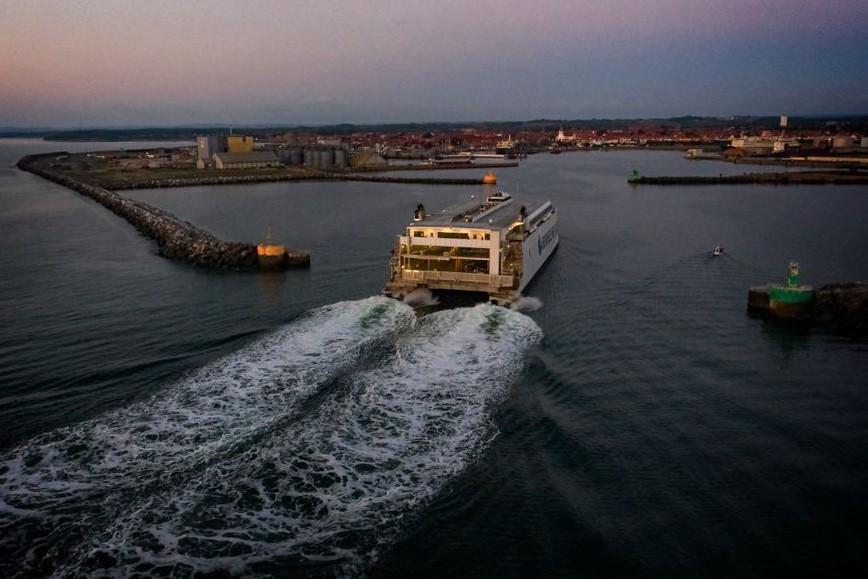Hurtigfærger sejler mere rettidig i år