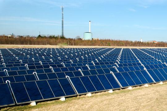 Stor solcellepark ved Østerlars
