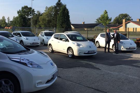 Kommunens nye el-biler leveres om et år