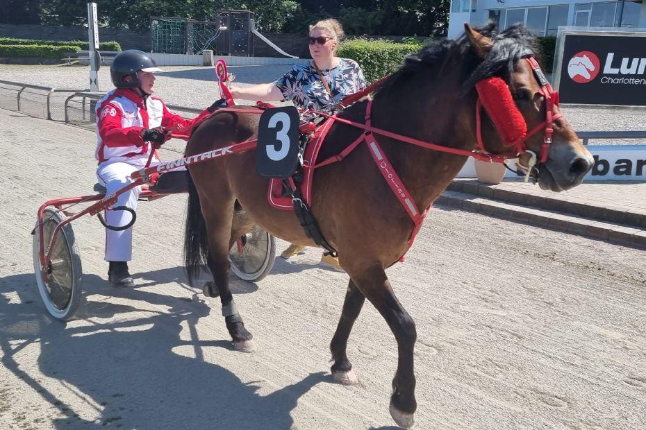 Ponypiger med i topstriden i København