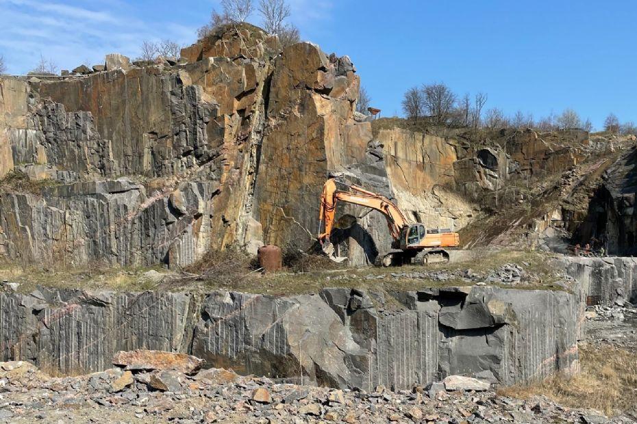 Granitfirma samler al aktivitet på Bornholm