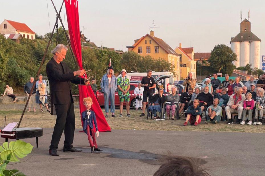 Åbningen af årets festival med gadeteater og gøgl blev et tilløbsstykke