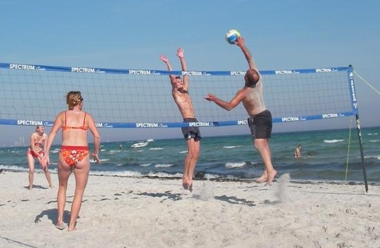 Stort volleystævne på Balka Strand